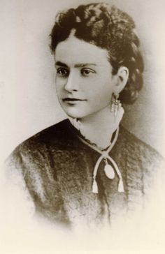 First Lady Ida Saxton McKinley (June 8, 1847 – May 26, 1907), wife of William McKinley, was First Lady of the United States from 1897 to 1901. 25th #President of the United States 26th #FirstLady
