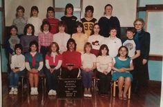 Massachusetts, 1980s, Scary Images, Class Pictures, Retro, Cincinnati, Old School, Family Guy, People