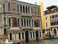 Not a working-class house, on the Grand Canal.