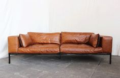http://www.arteslonga.com/fr/canapes-chesterfield-banquettes/2021-canape-norman.html