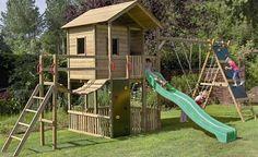 cabane de jardin surélevée avec toboggan et mur d'escalade Garden Playhouse, Build A Playhouse, Playhouse Outdoor, Playhouse Ideas, Backyard Playground, Backyard For Kids, Backyard Projects, Playground Ideas, Outdoor Play Equipment