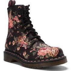 /Dr.Martens/Victoria boot.