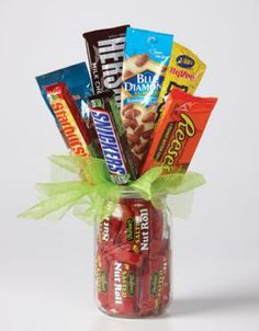 Hy-Vee - Your employee-owned grocery store - Birthday - Sweet & Salty Order Birthday Cake, Diy Birthday, Homeade Gifts, Candy Bouquet Diy, Diy Christmas Gifts For Kids, Do It Yourself Baby, Chocolate Gift Boxes, Chocolate Bouquet, Spa Gifts