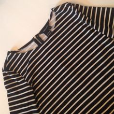 Jules & Leopold Black and White Striped Top Who doesn't love a black and white striped top? This is really comfortable and semi stretchy. It's well made and in perfect condition. Jules & Leopold Tops