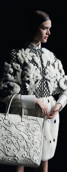 Fashion Poses, Fur Fashion, Fashion Details, Winter Fashion, Fur Skirt, Extreme Knitting, Fur Accessories, Fabulous Furs, Valentino Bags