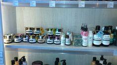 Kosmetyki Make Me Bio na swoim miejscu, kremy, mydełka naturalne