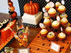http://www.lovefromtheoven.com/2011/08/22/halloween-dessert-table-ideas-bites-from-other-blogs/