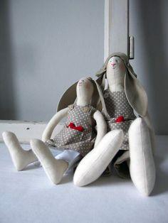 Kaninchen aus Baumwollstoff genäht, Kuscheltier Hase / plush toy rabbit made from cotton, kids' toy made by re'art Werkstatt für Gewebe und Kunsthandwerk via DaWanda.com