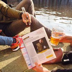 Geen #chocoselfie maar wel een hele gezellige zonnige foto van @kirsten_anouk! Heb jij het artikel over @anderechocolade al gespot in @koffietcacao ? Schiet een leuke foto  en maak kans op een reep åkessons's met wilde peper (nog steeds één van mijn favoriete repen )  meer info op FB! #chocolade #wedstrijd #koffietcacao #weekend #fun #zon
