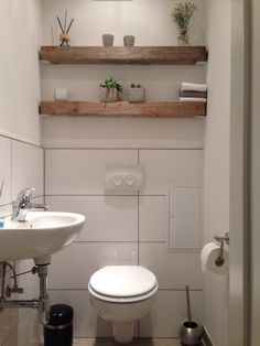 Modern meets rustic, wood beams shelf, guest toilet Modern trifft rustikal, Holz Balken Regal, Gäste Wc - Type Of Kitchen Storage Toilet For Small Bathroom, Guest Toilet, Bedroom Storage, Diy Storage, Storage Shelves, Kallax Regal, Sweet Home, Upstairs Bathrooms, Wood Beams