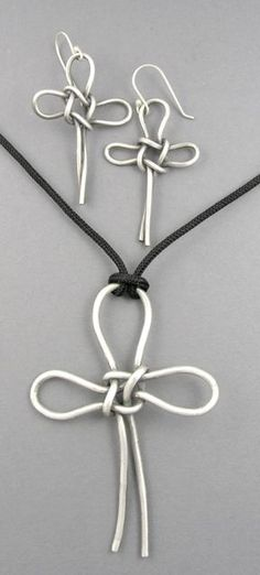 Silver Bracelet For Ladies Info: 9774311197 Wire Wrapped Jewelry, Metal Jewelry, Beaded Jewelry, Handmade Jewelry, Jewelry Crafts, Jewelry Art, Jewelry Design, Diy Schmuck, Schmuck Design