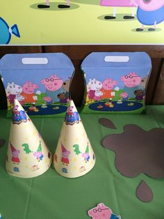 Peppa's party hats with party box and a madhole