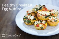 egg muffins Part muffin, part frittata and all delicious, these healthy egg muffin cup recipes will help you start your day right. Try our 12 egg muffin cup variations. Breakfast And Brunch, Protein Packed Breakfast, Low Carb Breakfast, Easy Healthy Breakfast, Breakfast Recipes, Breakfast Muffins, Breakfast Casserole, Pancake Calories, Egg Muffins