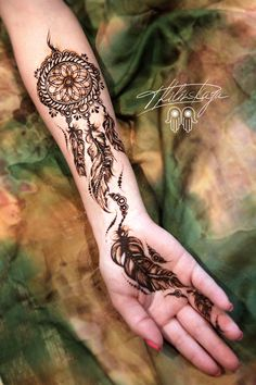 Simple And Easy Mehndi Designs Collection 2019 Indian Henna Designs, Modern Mehndi Designs, Beautiful Henna Designs, Bridal Mehndi Designs, Mehndi Tattoo Hand, Henna Mehndi, Henna Art, Henna Inspired Tattoos, Mehndi Simple