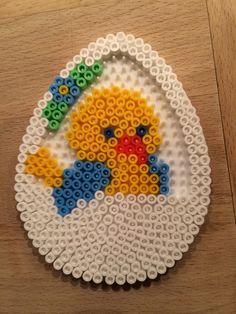 Påskekylling i æggekurv blå, Hama midi perler