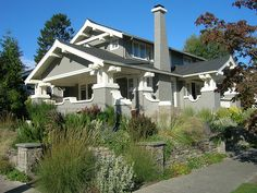Craftsman style home plans are very popular worldwide. Incorporating natural elements makes a craftsman home simple yet elegant. Find ideas to make the most of your bungalow or craftsman home. Craftsman Exterior, Modern Craftsman, Craftsman Style House Plans, Craftsman Bungalows, Craftsman Homes, American Craftsman, Sears Craftsman, Cottages And Bungalows, Bungalow Homes