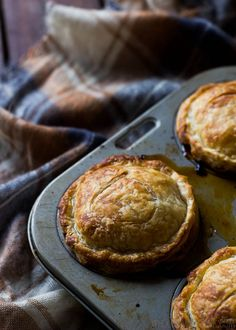 Lamb Shank and Mango Chutney Pies PLUS 10 Other Savoury Pie Filling Ideas - Wholesome Cook Lamb Recipes, Pie Recipes, Cooking Recipes, Healthy Recipes, Lamb Pie, Savory Tart, Savoury Pies, Savory Pastry, Slow Cooked Lamb Shanks