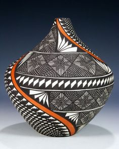 Acoma Pueblo Pottery - Hobbies paining body for kids and adult African Pottery, Native American Pottery, Native American Art, Pottery Painting, Pottery Vase, Ceramic Pottery, Southwest Pottery, Southwest Art, Glass Ceramic