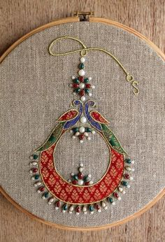 Hoop art Indian Jewellery machine embroidery linen withYou can find indian embroidery and more on our website.Hoop art Indian Jewellery machine embroidery linen with Wooden Embroidery Hoops, Embroidery Hoop Art, Hand Embroidery Patterns, Beaded Embroidery, Machine Embroidery Designs, Embroidery Stitches, Indian Embroidery Designs, Band Kunst, Brocade Fabric