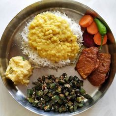Indian Vegetarian Food and Cooking Lunch Recipes, Summer Recipes, Diet Recipes, Cooking Recipes, Healthy Recipes, Vegetarian Cooking, Vegetarian Recipes, Bengali Food, Tasty Bites