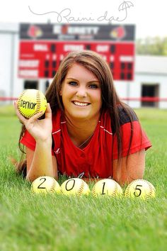 Softball pictures, girl with softball, senior pictures, sporty senior picture poses