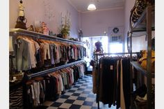 Consignment Antique Mall Booth, Consignment Shops, Thrift Stores, Store Displays, Vintage Market, Shop Ideas, Visual Merchandising, Display Ideas, Decoration