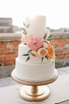 Flower design on cake. Similar in design to my cake and simplicity of flowers. Flower design on cake. Similar in design to my cake and simplicity of flowers. Flower design on cake. Similar in design to my cake and simplicity of flowers. Wedding Cakes With Flowers, Cool Wedding Cakes, Wedding Cake Designs, Wedding Favors, Wedding Bouquets, White Wedding Cakes, Wedding Invitations, Gold Wedding Cake Stand, Wedding Wishes