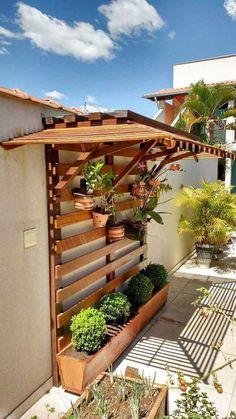 Adorable 50 Amazing Vertical Garden Design Ideas and Remodel Coach Deco … - Diy Garden Projects Vertical Garden Design, Vertical Gardens, Small Garden Design, House Garden Design, Diy Garden, Shade Garden, Garden Ideas, Garden Arbor, Patio Ideas