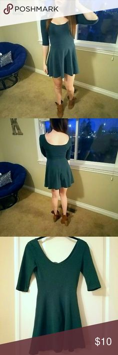 """💖HP 2/2💖 *RE-POSH* Urban Outfitters Skater Dress **RE-POSH from Urban Outfitters** - Sized at an extra small. - Great pre-loved condition. - Super soft 95% cotton and 5% spandex. - I am 5'3"""" and the dress hits my upper thigh. Urban Outfitters Dresses Mini"""