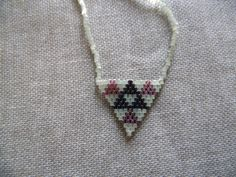 de la boutique McommeMaryna sur Etsy Triangles, Arrow Necklace, Beaded Necklace, Boho Chic, Creations, Brooch, Etsy, Boutique, Jewelry