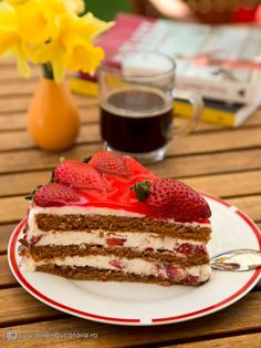 TORT DE CIOCOLATA CU CREMA DE BRANZA SI CAPSUNE | Diva in bucatarie Romanian Desserts, Food Cakes, Sweet Cakes, Tiramisu, Cake Recipes, Cake Decorating, Deserts, Good Food, Cooking Recipes