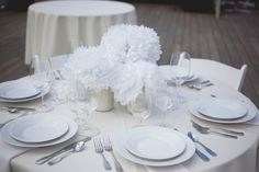 These white flowers could be made out of tissue paper for your #DinerenBlancCHI table! What will your centerpiece look like?