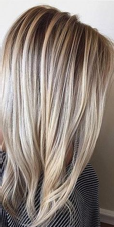 Balayage - the new and now technique that you need to request the next time you're in your colorists chair. Blonde balayage highlights by Jamie Sea. Blonde Balayage, Blonde Hair, Dyes, Hair Ideas, Long Hair Styles, Beauty, Beleza, Yellow Hair, Long Hairstyle