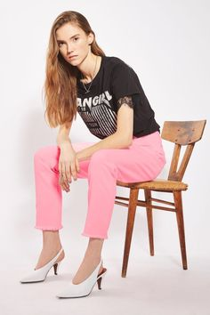 16922002 Topshop Moto Straight Jeans Raw Hem Bright Pastel Pink Size 28 NEW