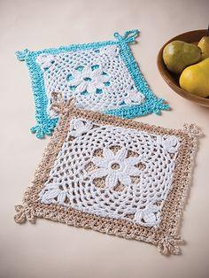 Fleur-De-Lis Pot Holder Crochet Kit from Annie's Craft Store. Crochet Kitchen, Crochet Home, Love Crochet, Crochet Crafts, Yarn Crafts, Crochet Projects, Crochet Kits, Crochet Patterns, Knitting Help