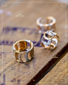 Если Вы решили пополнить свою шкатулку новыми ювелирными украшениями золотые серьги и кольцо с россыпью бриллиантов от #Damiani будут самым правильным решением! Благодаря интересному дизайну комплект станет отличным дополнением как повседневного так и вечернего образа!  #jewelry #diamonds #ring #necklace #pendant #bracelet #earrings #beauty #women #giancarlogioielli #vscogood #vscobaku #vscocam #vscobaku #vscoazerbaijan #instadaily #bakupeople #bakulife #instabaku #instaaz #azeripeople…