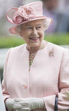 Queen Elizabeth II attends Royal Ascot race meeting, Berkshire, Britain - 18th June 2013