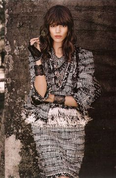 These are more images of the ss 2011 Chanel ad campaign featuring Freja Beha Ercihsen. Source: Tarsha, Candlebougie and Style . Chanel Tweed Jacket, Chanel Style Jacket, Freja Beha Erichsen, Chanel Dress, Chanel Fashion, Stunning Dresses, White Fashion, Fall Fashion, Pretty Hairstyles