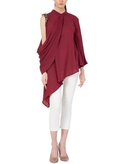 Shop Maroon Cowl Tunic from Aakaar By Ankit Sharma Drape Gowns, Draped Dress, Kurta Style, Tunic Designs, Fancy Tops, Evening Attire, Layering Outfits, Indian Designer Outfits, Indian Fashion