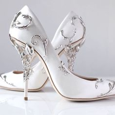 The are gorgeous!  I just need them in black. Prom Shoes Silver, Sparkly Shoes, Silver High Heels, Spring Shoes, Summer Shoes, Prom Heels, Stiletto Heels, High Heel Pumps, Pumps Heels