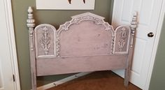 Vintage ornate headboard painted with Annie Sloan Chalk Paint in Paloma blended… Annie Sloan Furniture, Chalk Paint Furniture, Furniture Projects, Diy Furniture, Refurbished Furniture, Repurposed Furniture, Shabby Chic Furniture, Furniture Makeover, Antique Booth Ideas