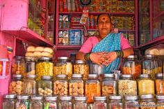 Freelancing in India can be an adventure of your life. To make it a pleasant one we gathered info to make life easier for those freelancing in India. Find out India Street, Amazing India, Indian Street Food, Food Stall, In Mumbai, Mumbai City, India Travel, India Trip, Indian Food Recipes