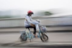 Too Many Battery-Powered Bikes in China Take Charge Out of Lead