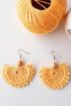 Peach crochet earrings handmade peachy pink with pink stone fashion Crochet Jewelry Patterns, Crochet Earrings Pattern, Crochet Accessories, Diy Knitting Earrings, Crochet Gifts, Crochet Baby, Knit Crochet, Crochet Shawl, Armband Diy