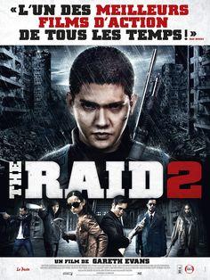 The Raid 2 est un film de Gareth Evans avec Iko Uwais, Julie Estelle. Synopsis : Après un combat sans merci pour s'extirper d'un immeuble rempli de criminels et de fous furieux, laissant derrière lui des monceaux de cadavres de pol