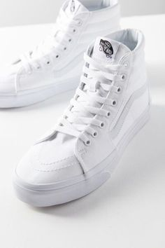 premium selection 3dfd2 31f2d Check out Vans Canvas Sk8-Hi Sneaker from Urban Outfitters Elegante Schuhe,  Vans Sneakers