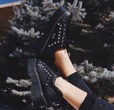 Sock Shoes, Cute Shoes, Urban Fashion, Womens Fashion, Dream Shoes, Costume, Shoe Collection, Fashion Shoes, Footwear