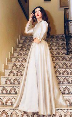 Stylish Actress Hareem Farooq Wardrobe by Pakistani Designers : we see Hareem Farooq wearing Zainab Chottani, Maria B dress, Sapphire and Sania Maskatiya outfit Pakistani Fashion Party Wear, Pakistani Formal Dresses, Indian Gowns Dresses, Eid Dresses, Pakistani Dress Design, Pakistani Designers, Party Wear Dresses, Casual Dresses, Fashion Dresses