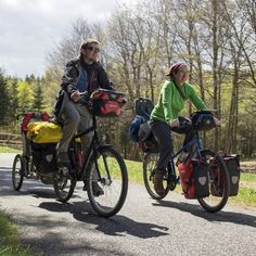 Packing your bike panniers can be confusing, especially when you do it for the first time. Once on the road, you'll quickly discover what works for you but until then, here are some tips to p…