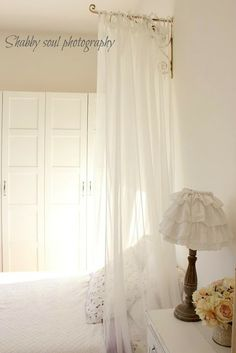 Beautiful way to add curtains in your bedroom
